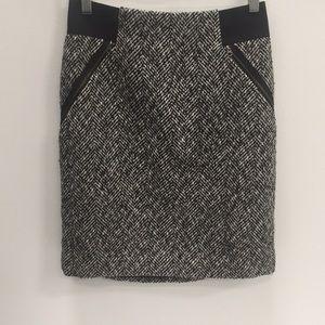 Halogen Skirt w/ zipper pockets size: 8
